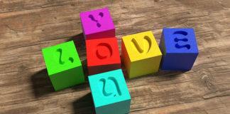 Ucząc bawić, bawić ucząc, czyli jak wybierać zabawki dla dziecka