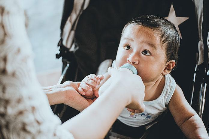 Karmienie mieszane noworodka piersią i mlekiem modyfikowanym?