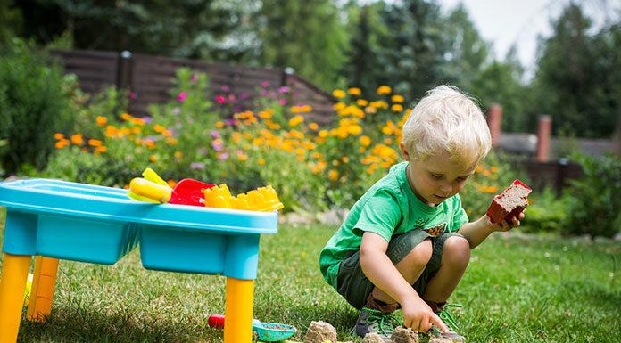 Aranżacja przestrzeni przyjaznej dziecku w ogrodzie