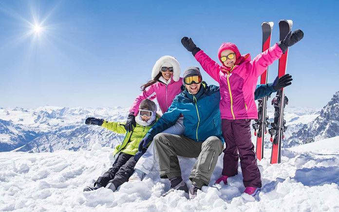 Zimowe wakacje w górach: naucz dziecko szusować!
